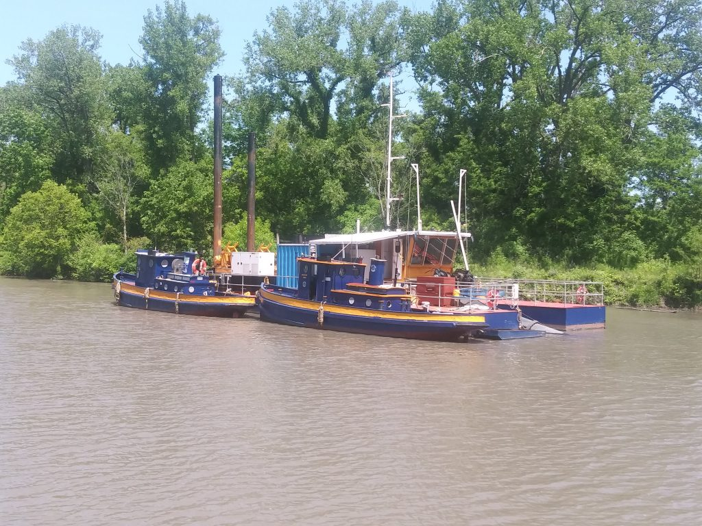 Tugs on the Side